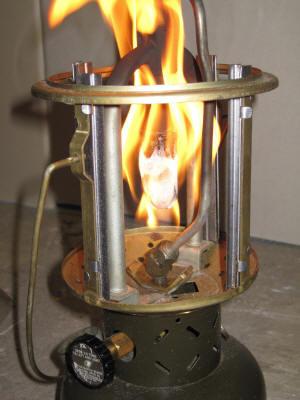 Glühstrumpf abflammen